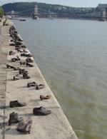 Sapatos no Danubio Budapeste