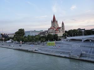 praca do méxico e Rio Danubio Viena